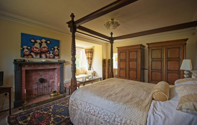 Abbey Lodge bedroom